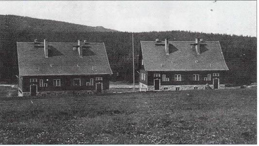 Domy celników w Gross Iser zbudowane w 1937 r, nieistniejące